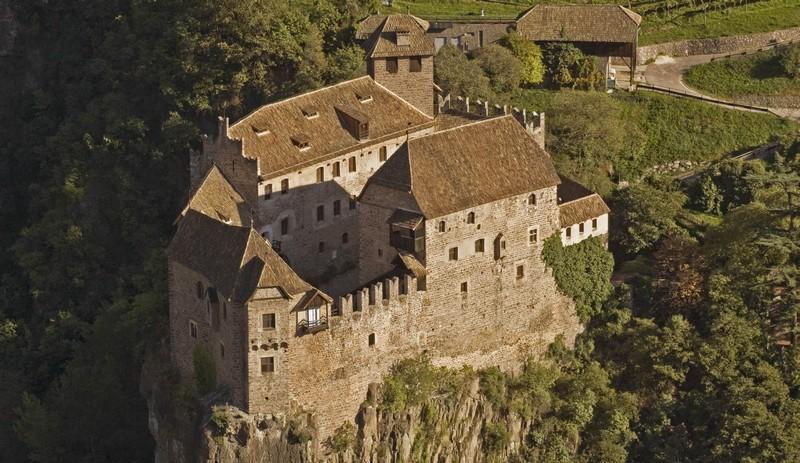 Castel Roncolo e la leggenda del tesoro nascosto