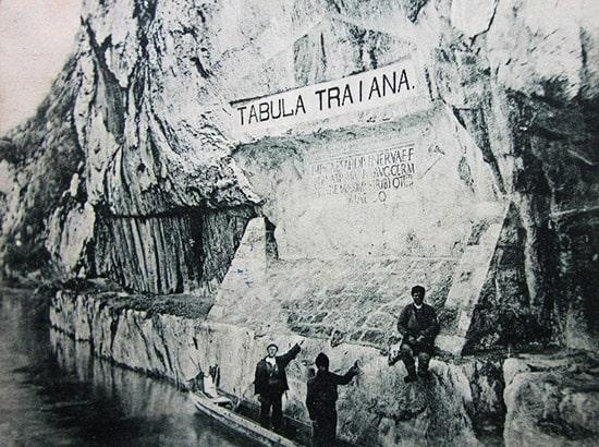 Tabula Traiana in una foto d'epoca