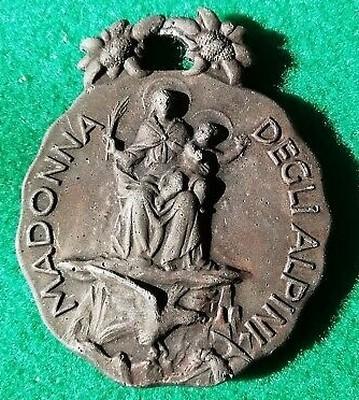 Medaglia raffigurante la Madonna degli alpini